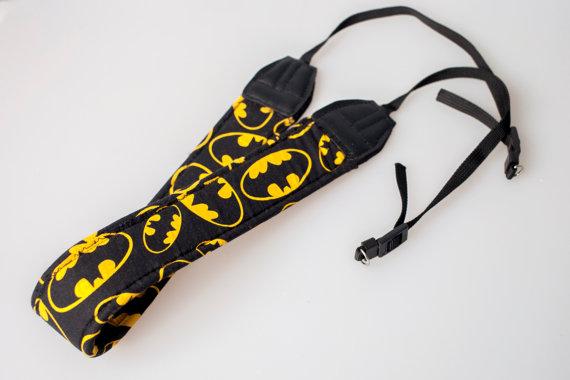 Etsy - Correa de cámara Batman